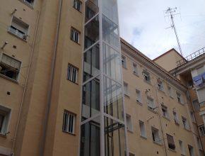 ascensor en fachada